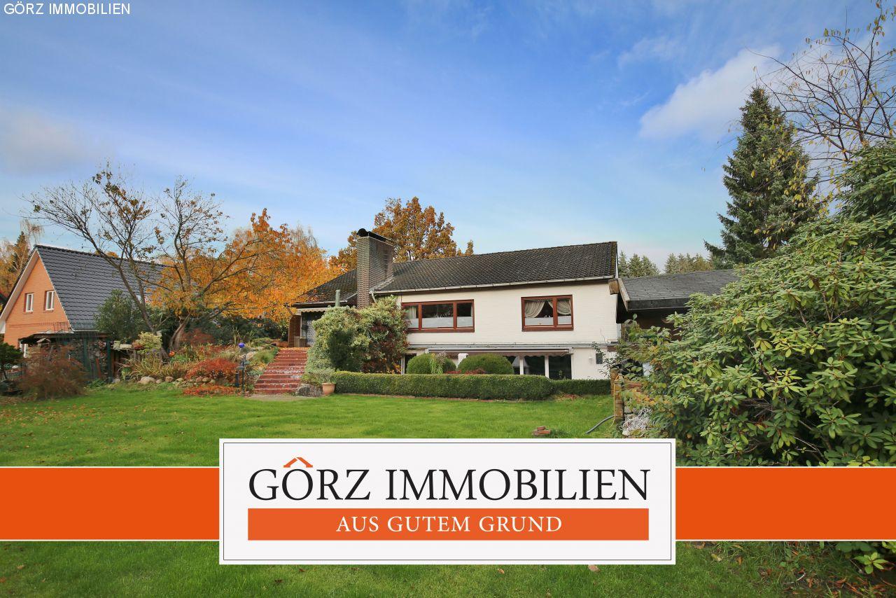 Quickborn: VERKAUFT   Großzügiges Einfamilienhaus Mit Schwimmbad, Garage,  Carport, 2 Kaminen Uvm.