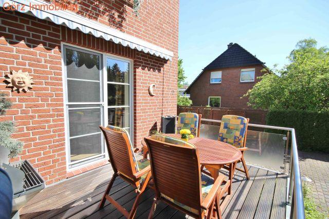 Einfamilienhaus oder zweifamilienhaus in hamburg schnelsen for Einfamilienhaus oder zweifamilienhaus