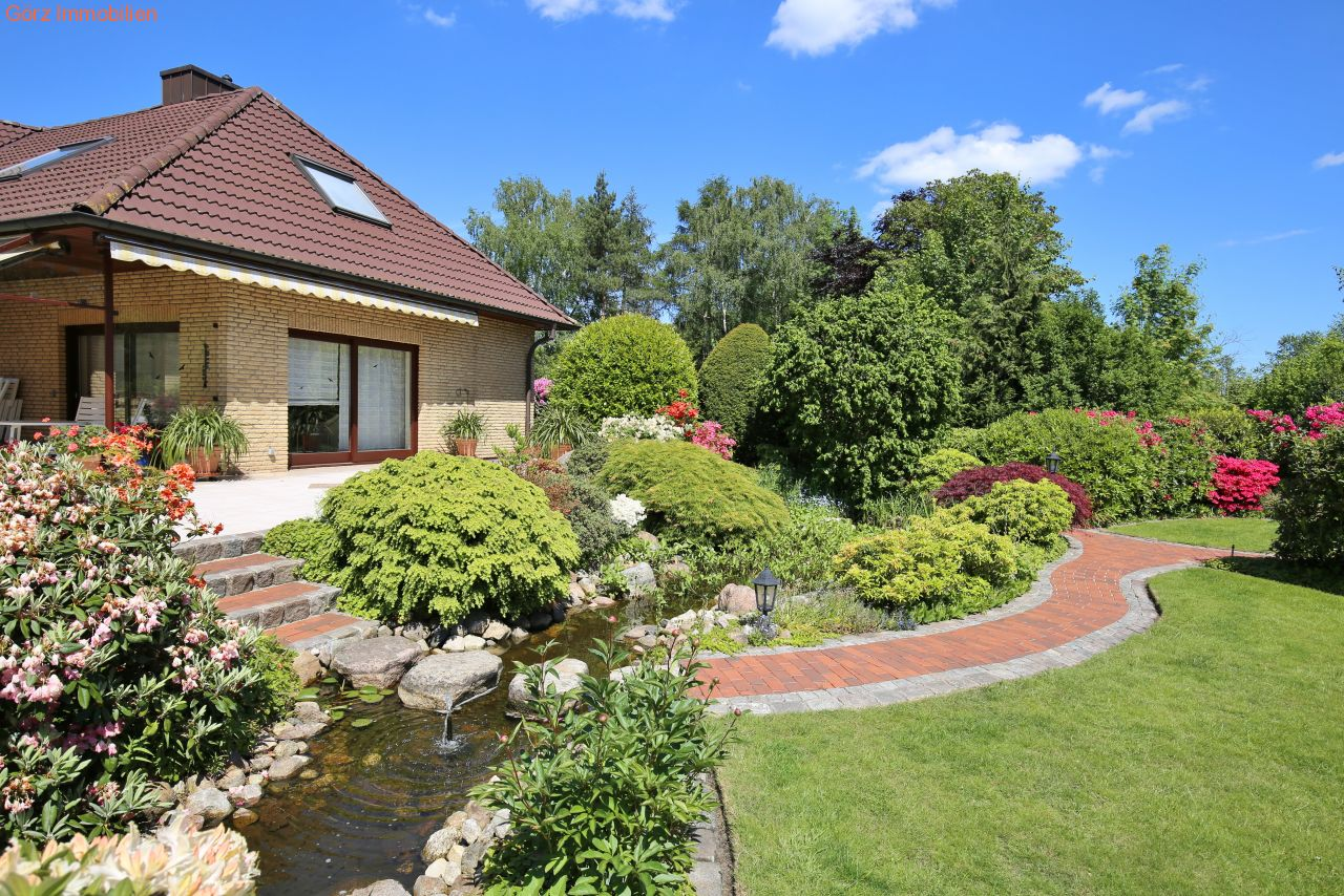 Villa luxushaus ambiente in kaltenkirchen schwimmbad for Schwimmbad kaltenkirchen