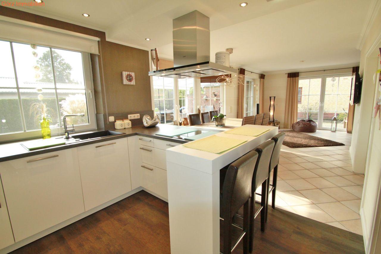 Essbereich mit offener küche moderne einbauküche