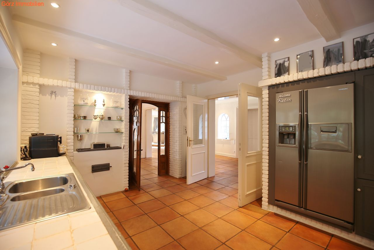 villa in quickborn heide. Black Bedroom Furniture Sets. Home Design Ideas