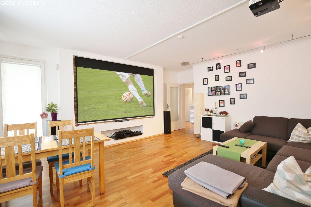 immobilienangebote pinneberg verkauft helle 4 zimmer wohnung mit g ste wc garage. Black Bedroom Furniture Sets. Home Design Ideas