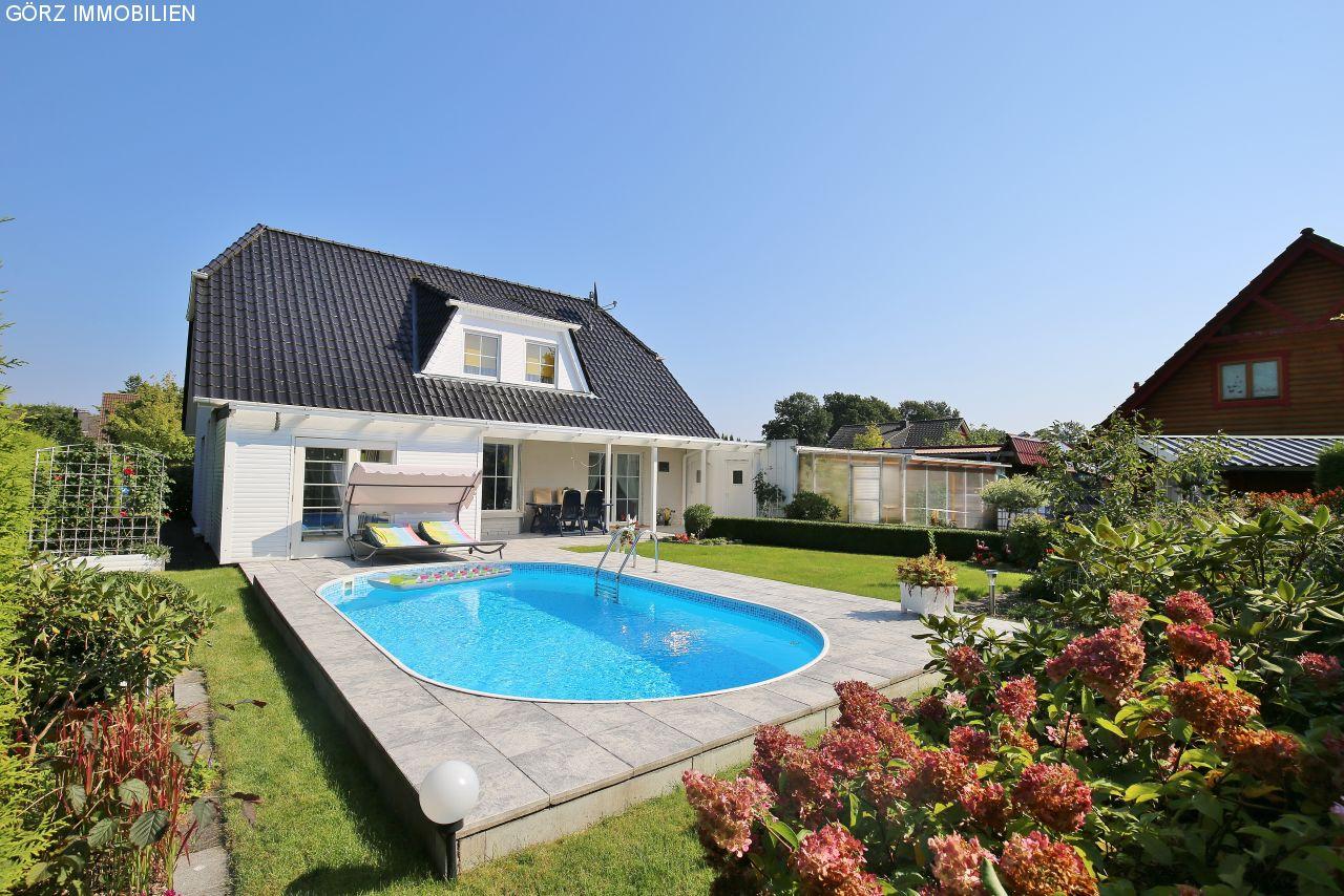 Einfamilienhaus kaufen mit Pool in Kaltenkirchen