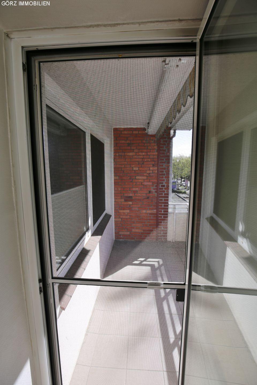 immobilienangebote pinneberg verkauft toll geschnittene und moderne wohnung mit balkon. Black Bedroom Furniture Sets. Home Design Ideas