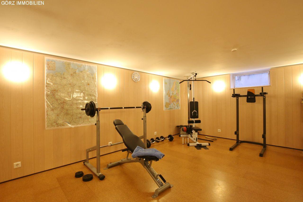 haus in henstedt ulzburg in ruhiger lage kaufen. Black Bedroom Furniture Sets. Home Design Ideas