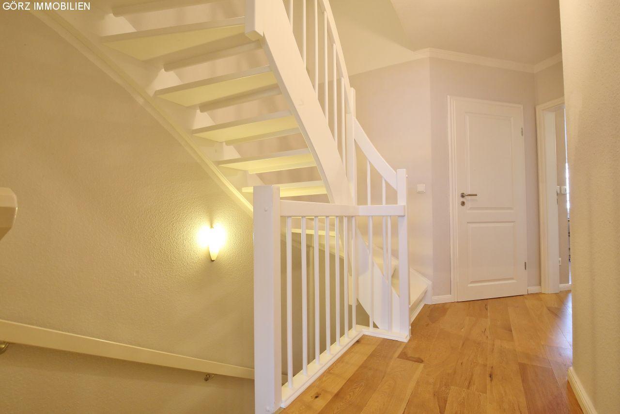 Weiße Holztreppe immobilienangebote norderstedt verkauft großzügiges wohnen