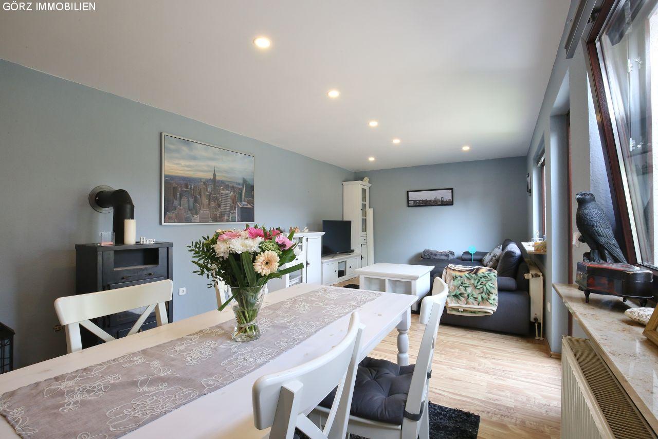 Immobilienangebote lentf hrden reserviert modernisiertes einfamilienhaus auf gro em - Wohnzimmer dachgeschoss ...